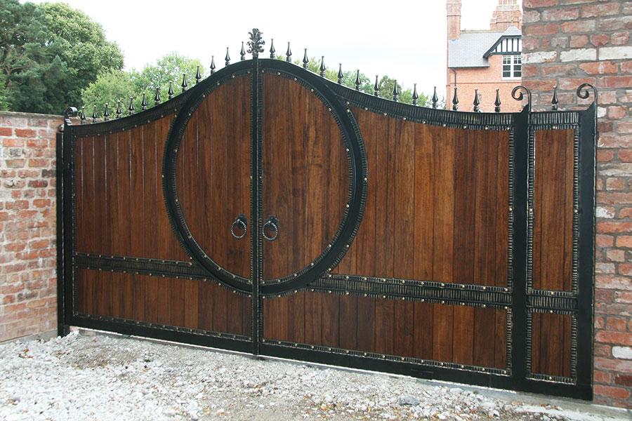 Wooden Gate Design Showroom 012: Zeus Hardwood Gates