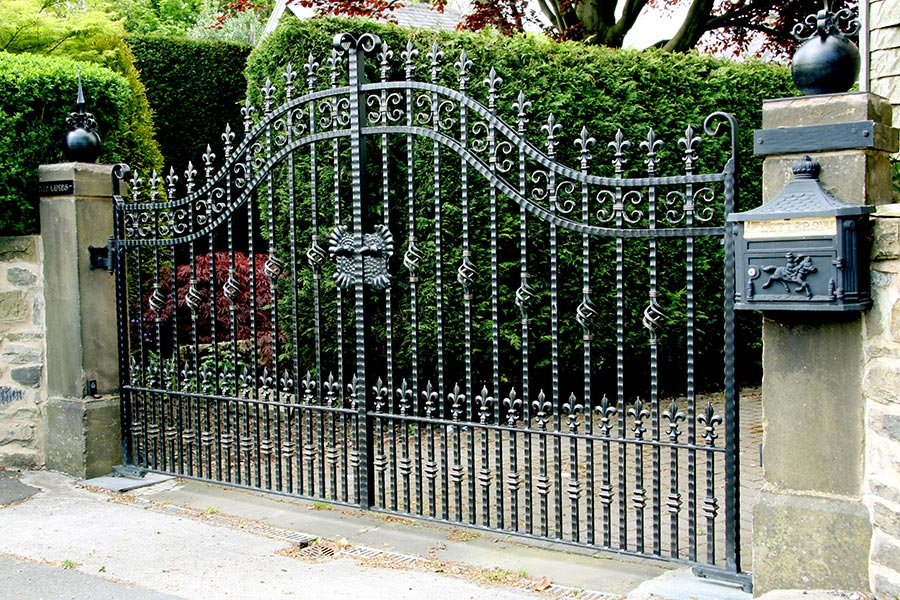 Cranleigh Wrought Iron Gates Estate Gates North Valley