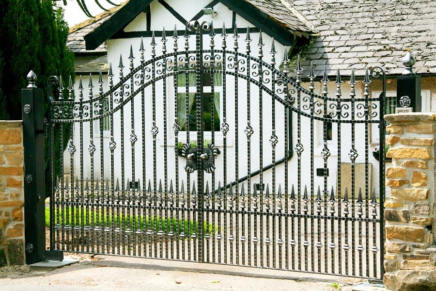 Cranleigh wrought iron gates estate north valley