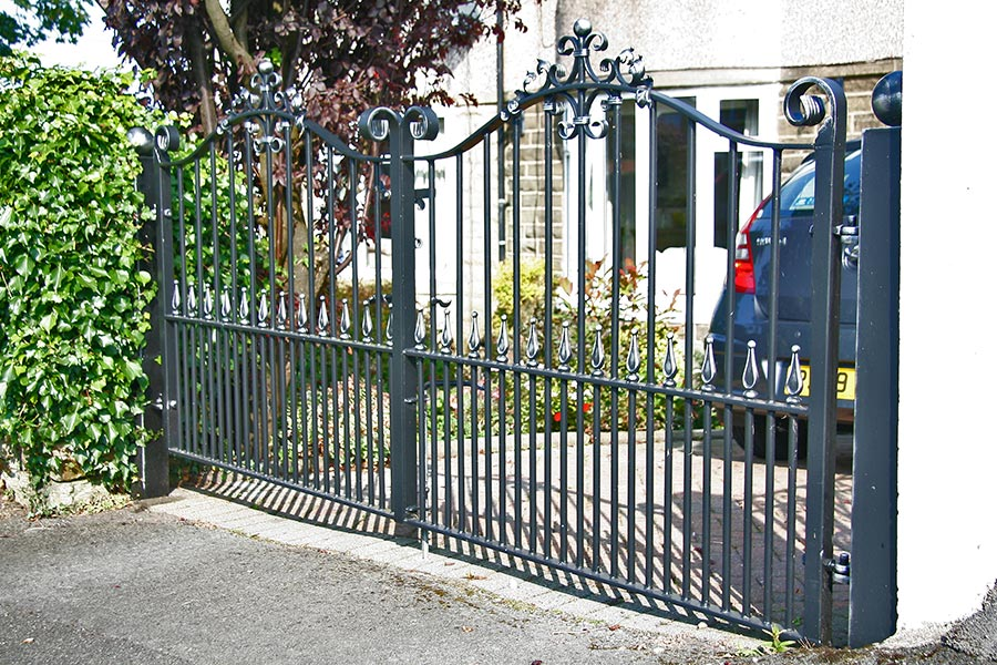 double small driveway gate
