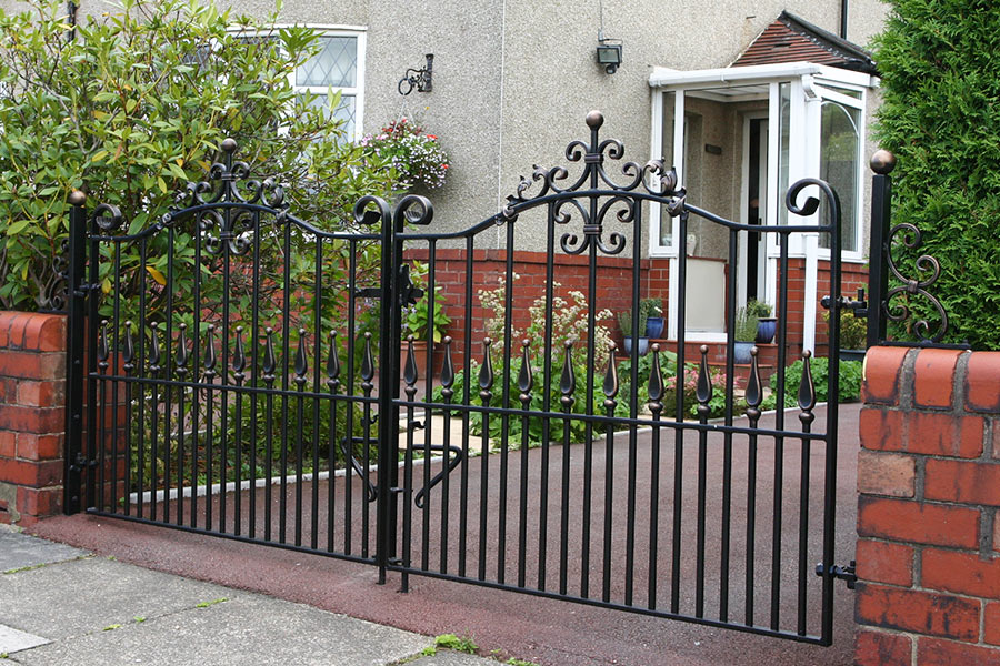 low level iron drive gate