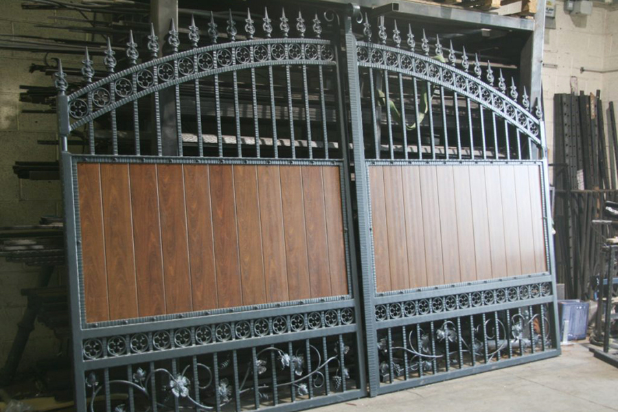 painted-aluminium-gates